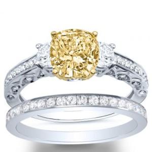 3-Stone Pave W: Round Sidestones Diamond Ring
