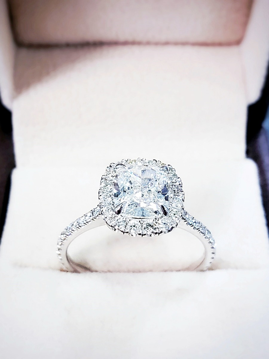 Diamond Halo Ring For Engagement