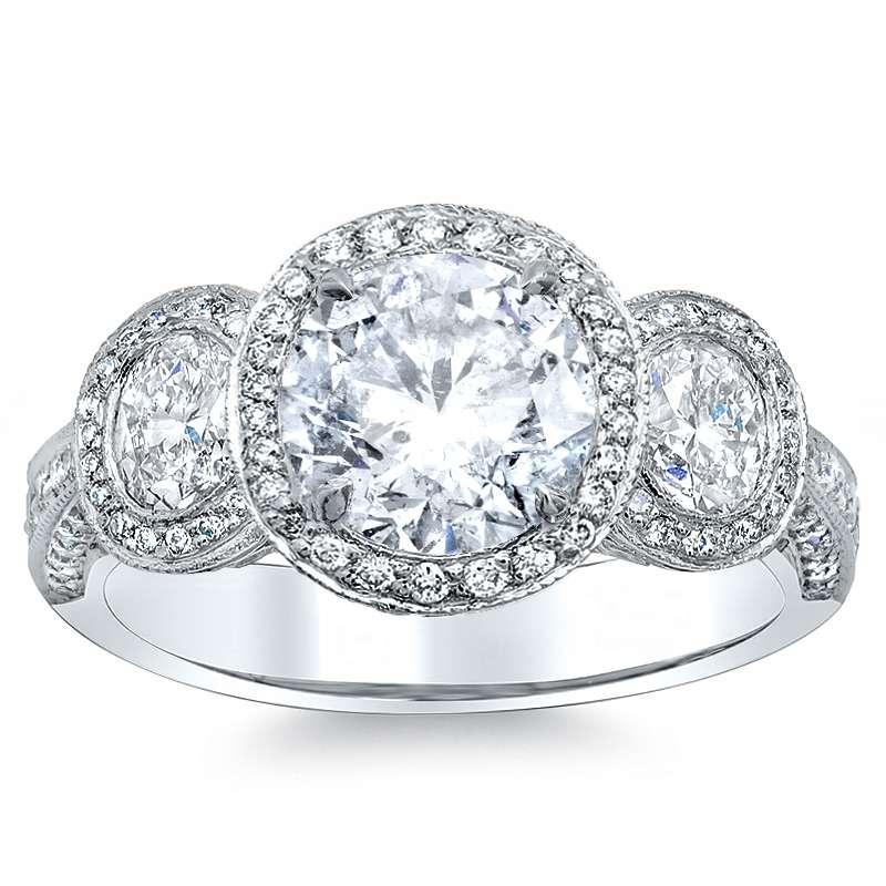Round cut 3-Stone Set Natural Diamond Engagement Ring