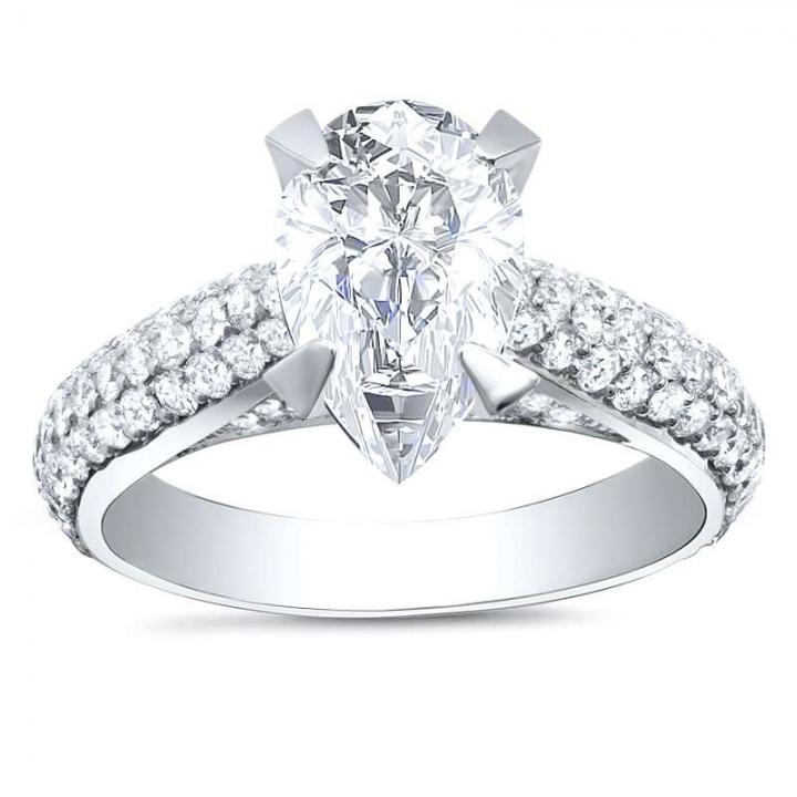 Top25 Pear cut Engagement Rings