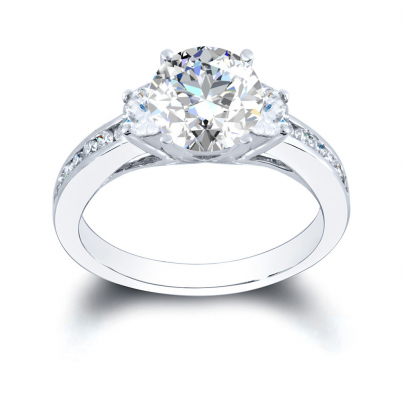 Vintage Round cut Engagement Rings